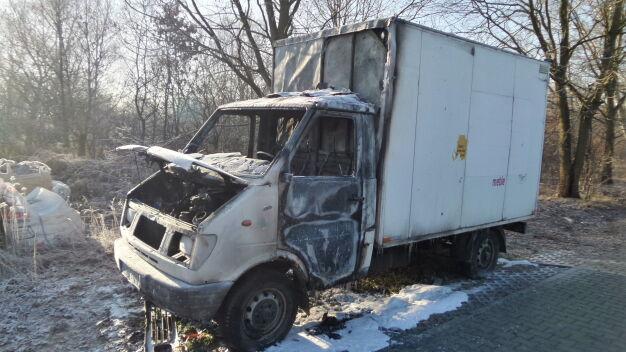 """Zniszczone auta w Rembertowie. """"Spalone i uszkodzone"""""""
